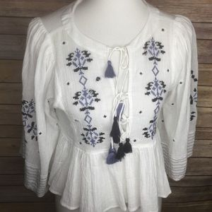 Free People white embroidered blue top SZ Xs